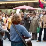 1976 Straßenmusik, rechts im Bild unsere ältesten (damals noch frischen) Fans